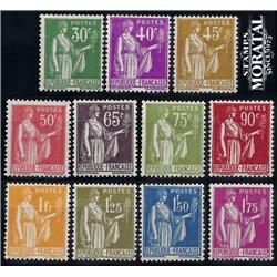 1932 France  Sc# 264/267, 270, 272, 274, 277, 279, 282/283  ** MNH Very Nice. Peace type (Scott)