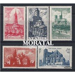 1947 Frankreich Mi# 773/777  ** Perfekter Zustand. Kathedralen (Michel)  Kloster-Tourismus